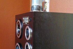 Unitra Tonsil Altus 110 - widoczna rurka bas reflex
